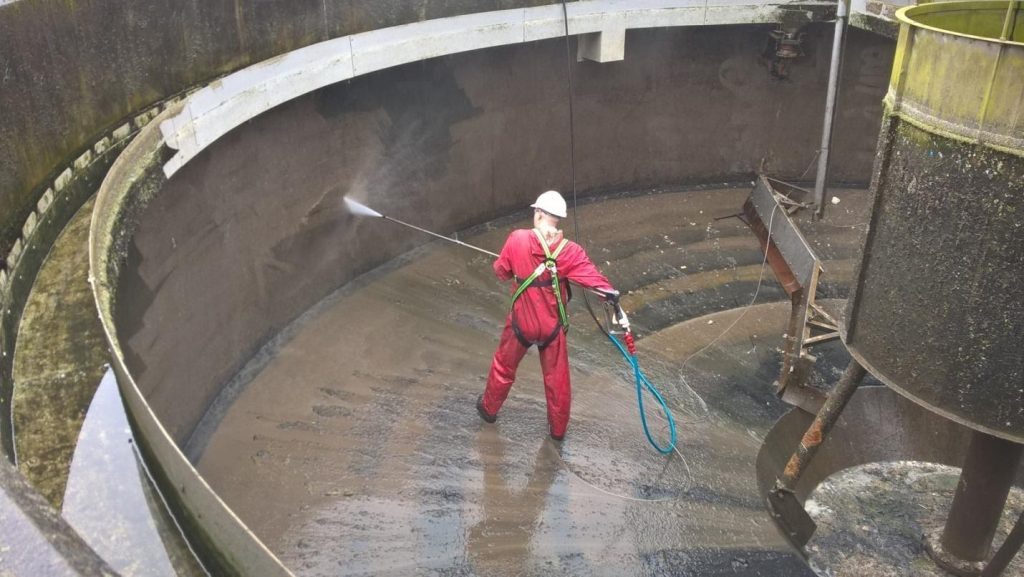 industrial tank cleaning in Melbourne