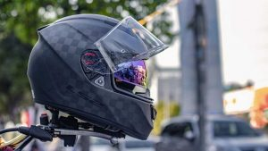 How to Know a Motorcycle Helmet Fits